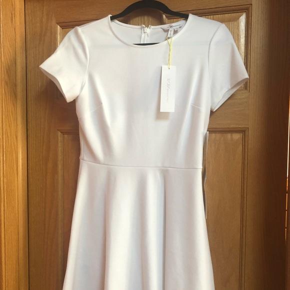 BCBGeneration Dresses & Skirts - NEW BCBGeneration  White Short Sleeve Dress